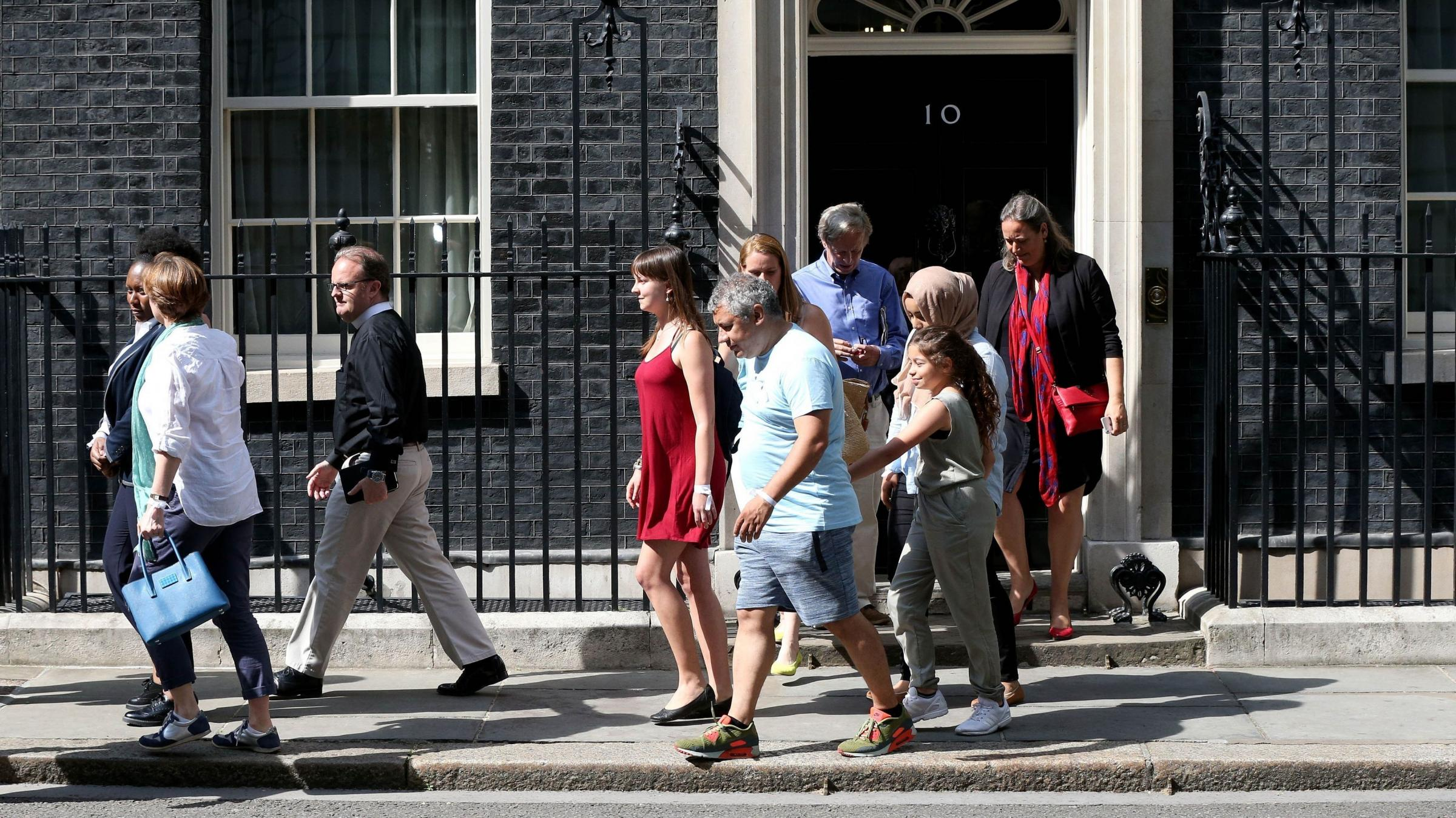 May meets Grenfell fire victims and volunteers in Downing Street