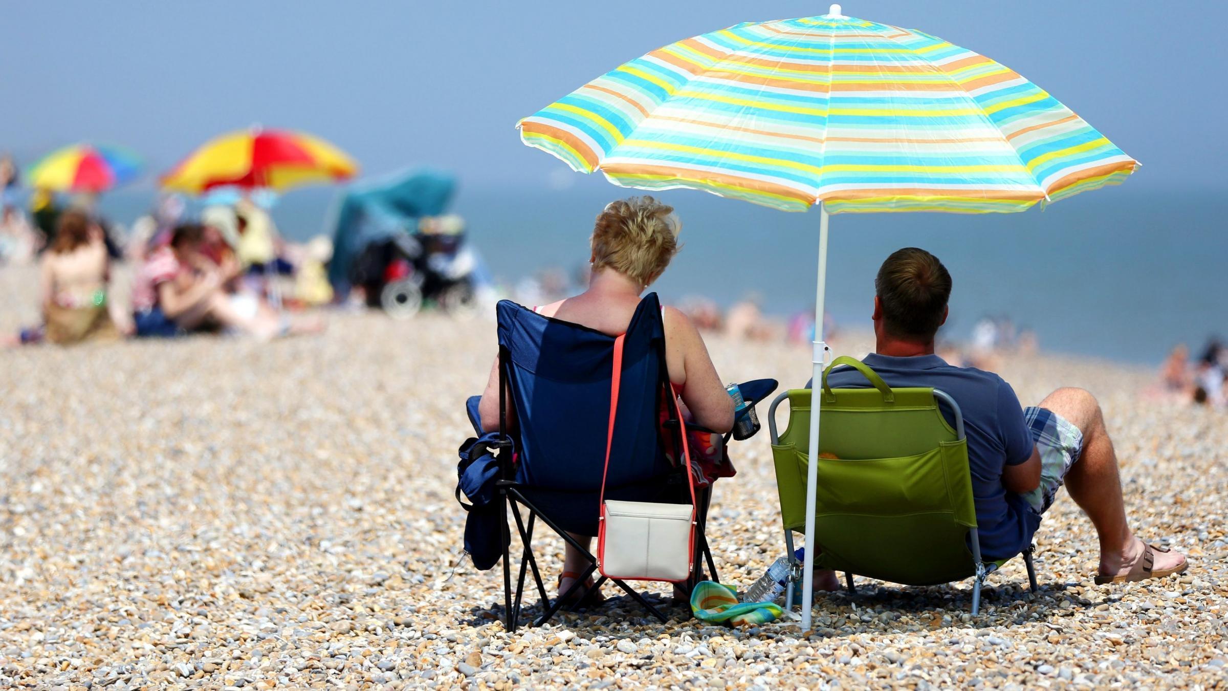 Mercury rises as Met office issues second highest heatwave alert
